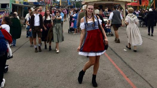 A Guide on What to Wear to Oktoberfest