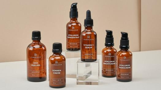 JUNGLÜCK: A minimalist German sustainable beauty brand with highly effective products